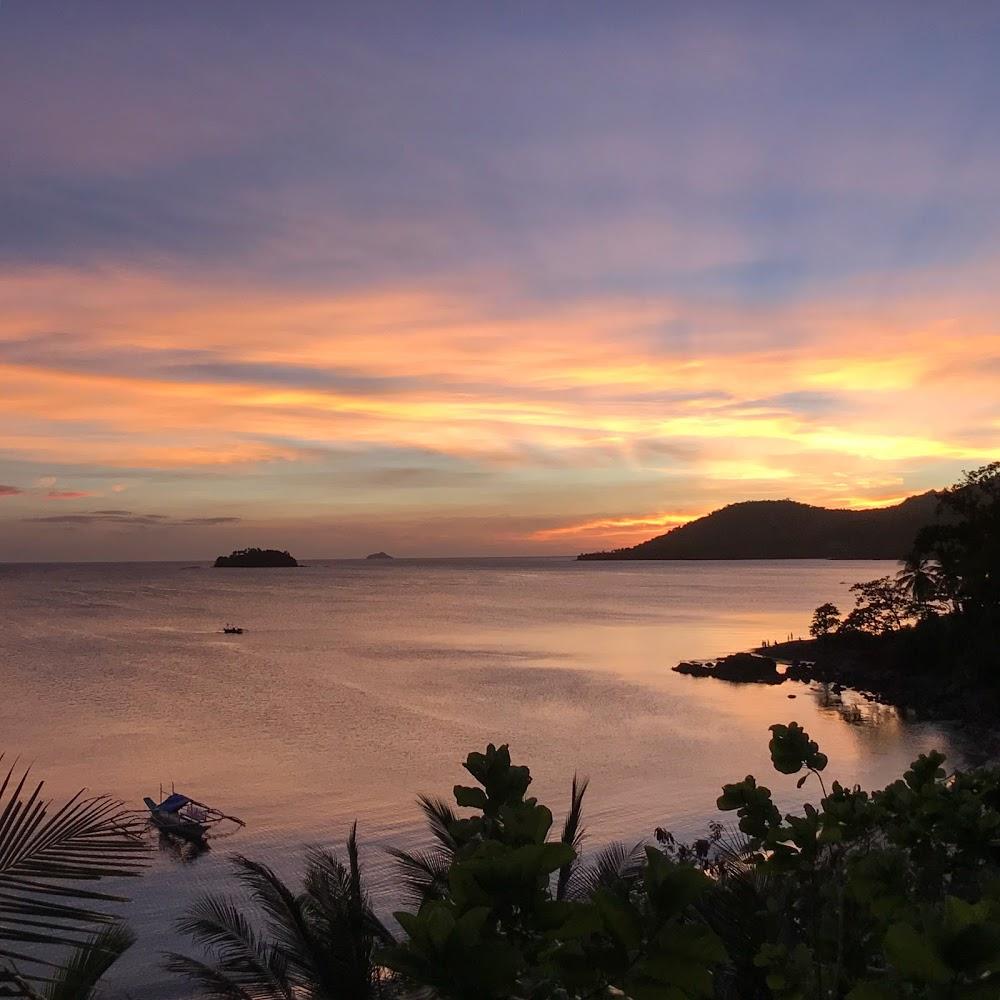 Lumambong Beach